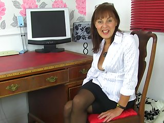 Georgie strips and fingers her hairy pussy at the assignment