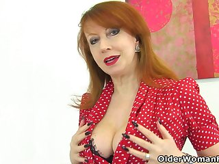 English milf Red-hot probes her fanny with two fingers