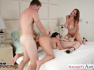 Cougars Charlee Chase, Holly Halston increased by Sara Mooncalf bonking