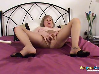 Mature slut pisses in will not hear of hem and makes a mess