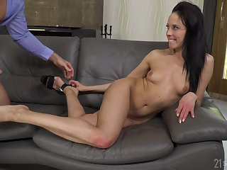 Teen Nanny Candidate Takes One-Eyed Snake In Anus - lexi layo