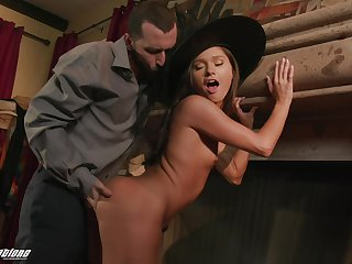 Hot witch fucks a man on Halloween and her big ass hat looks good on her