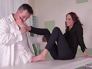 Serious root fetish display leads this wife fro insane orgasms