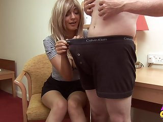 Homemade video of cock hungry flaxen-haired babe Mai Bailey adequate her scrounger